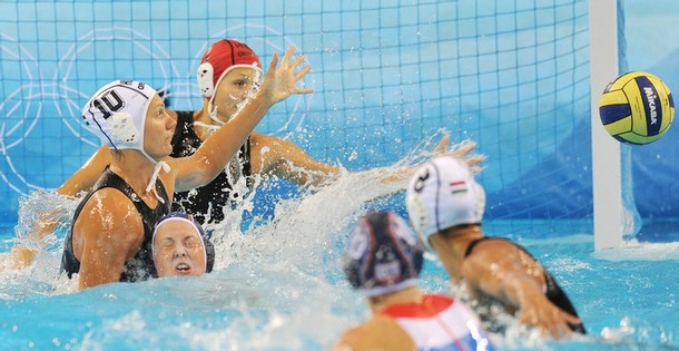 http://sylviagarza.files.wordpress.com/2008/08/2008-summer-olympics-womens-water-polo1.jpg