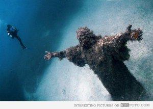 Underwater Jesus statue, Malta