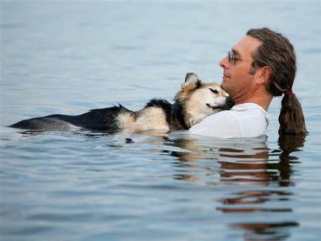 John Unger and his dog Schoep used to float anywhere from 10 minutes to an hour, depending on the temperature of the water and how Schoep was feeling. Hannah Stonehouse Hudson / Stonehouse Photography